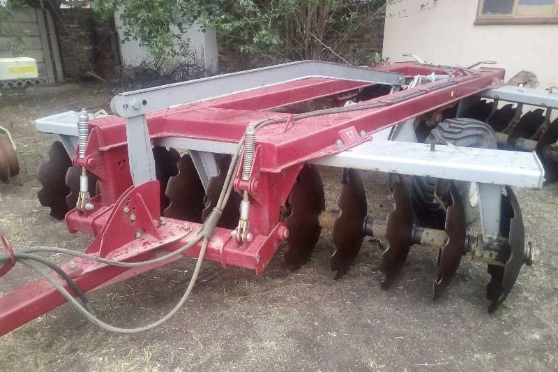 Ploughs Other Disc Harrows Used Agri Cat 24 skottel disc almost like new 2013