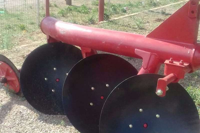 Ploughs Other Ploughs New 3 disc Pipe Plough 0