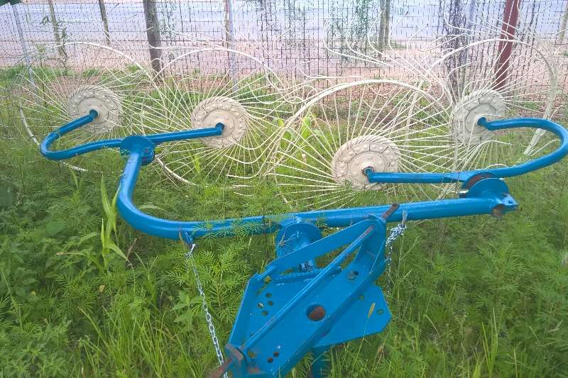 Rakes, Rippers, Rotovators 4 Wheel Rake 0