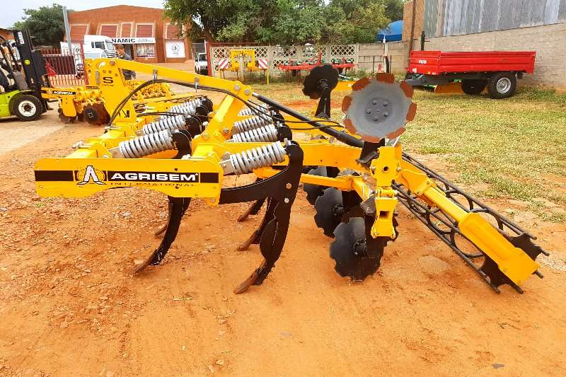 Other Agrisem ripper with 8 tine Rakes, rippers, rotovators