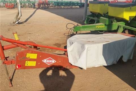 Slashers, Silage Cutters & Trailers Kuhn 4x toll cutter / snyer  2011
