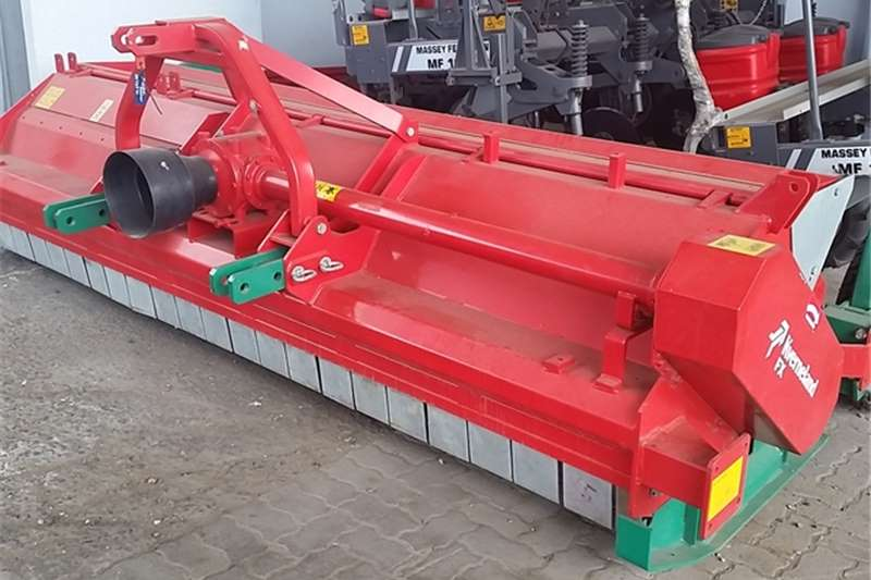 Slashers, Silage Cutters & Trailers KVERNELAND 320N MICHER 0