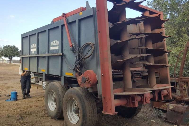 Other Belucci Ketting strooier Slashers, silage cutters & trailers