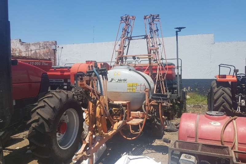 Jacto Boom sprayers Jacto AM14 Sprayers and spraying equipment