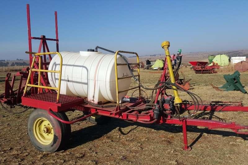 Other Boom sprayers 1000 litre sprayer with Hydraulic boom Sprayers and spraying equipment
