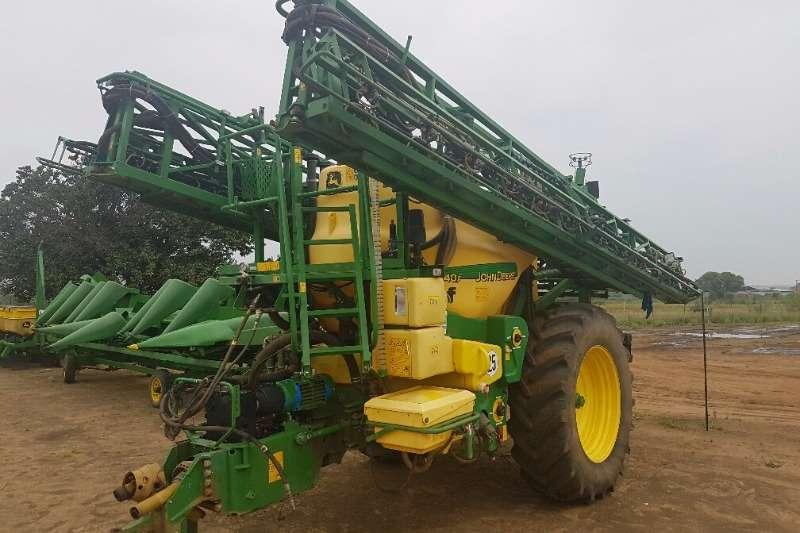 John Deere 840 I TF Spuit - 36M Boom - 4000L Spraying equipment