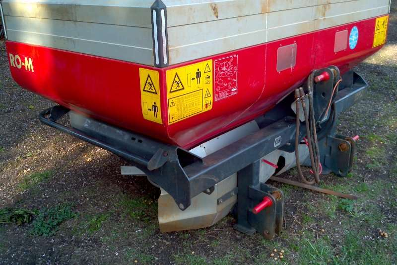 Spreaders Other Box Spreaders Vicon fertilizer spreader ROM with extension 2016