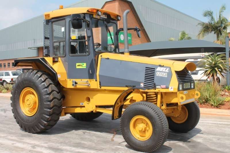 Bell 2011 Bell 1216A 4x2 Tractor Tractors