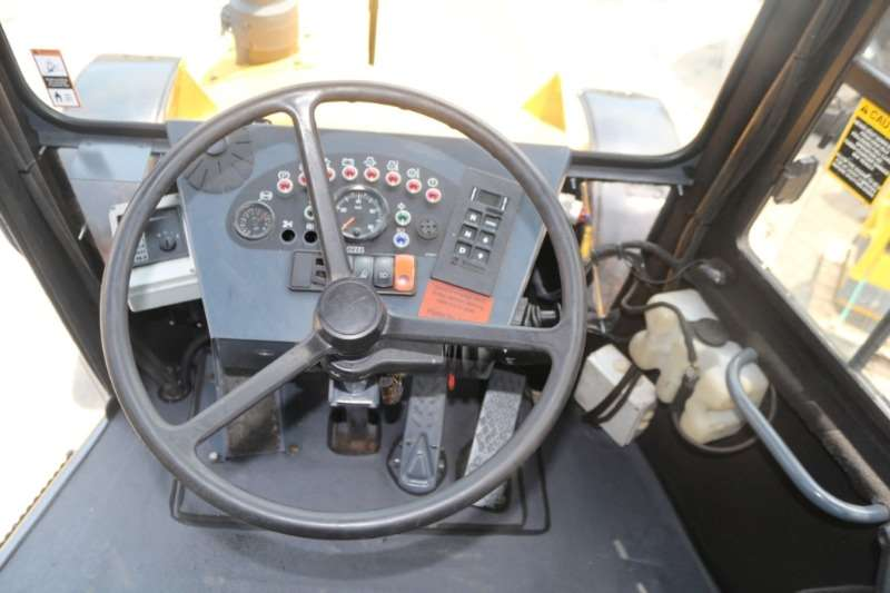Bell Bell 1716A 4x2 Tractor Tractors