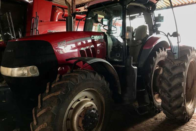 Case Four wheel drive tractors Case Puma 225 Cab Tractors