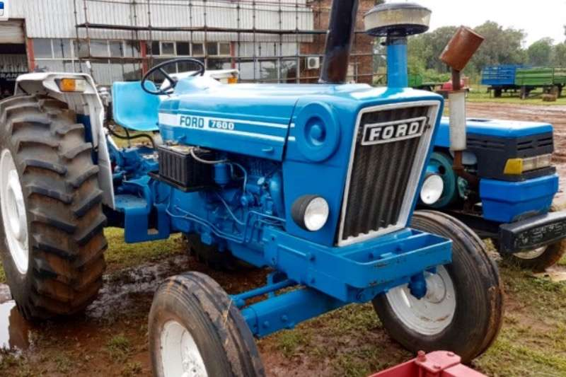Tractors Ford 7600 0