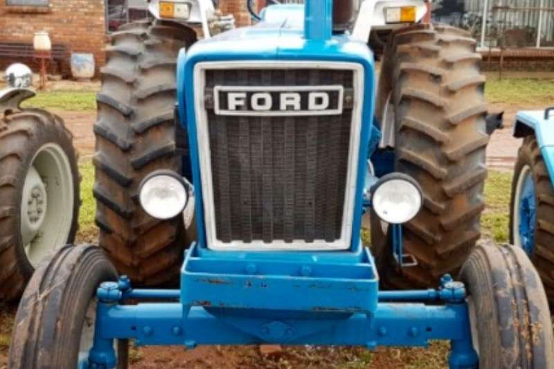 Ford 7600 Tractors