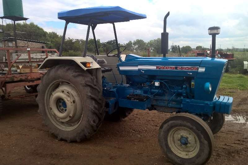 Tractors Ford Ford 5000 0