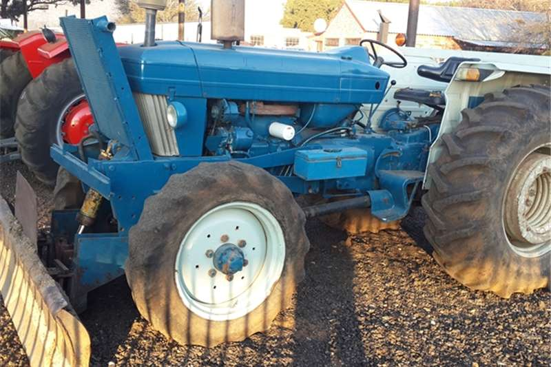 Tractors Ford Ford 5610 Tractor with Grader 0