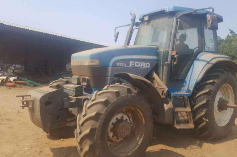 Ford Four wheel drive tractors Ford 8670  120 kW Tractors