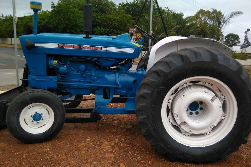 Ford Two wheel drive tractors 5000 Tractors