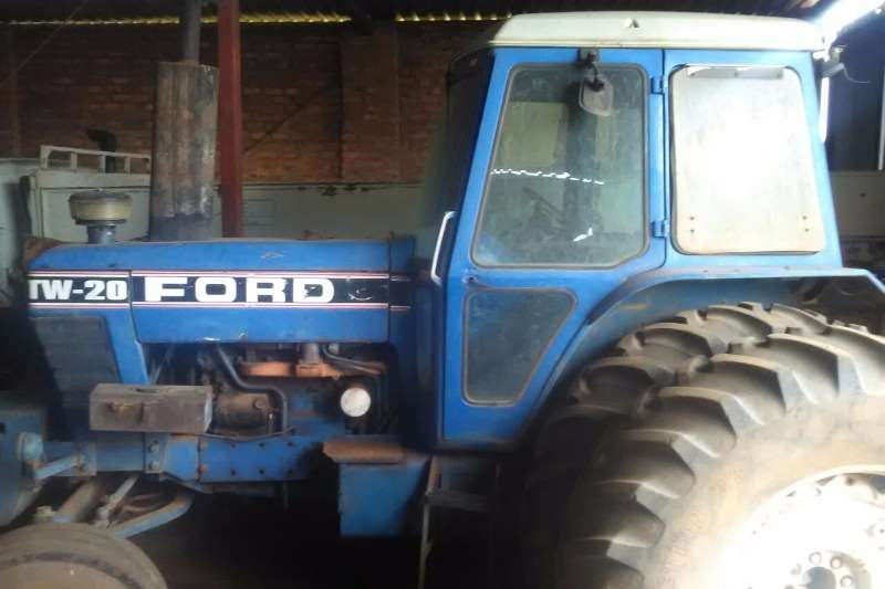 Ford Two wheel drive tractors Ford TW 20 Tractors