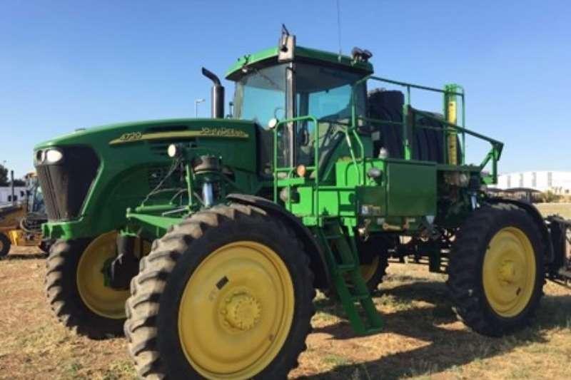 John Deere 4720 SPUIT Tractors