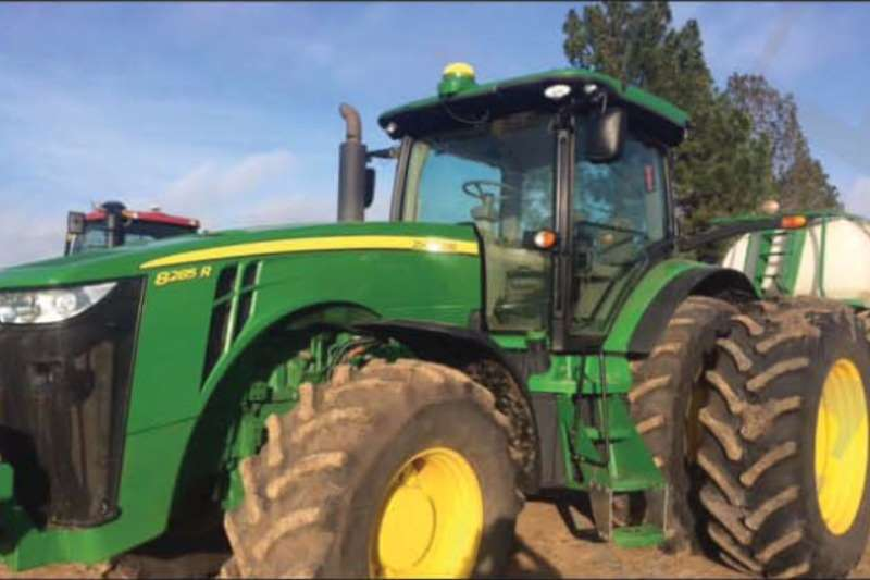 John Deere 8285R Tractors