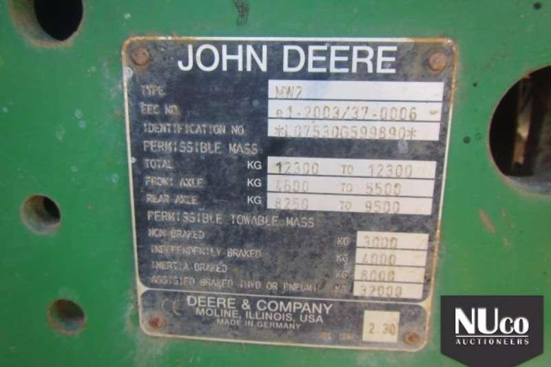 John Deere JOHN DEERE 7530 TRACTOR Tractors
