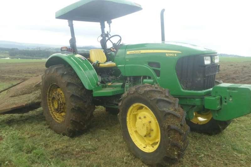 John Deere John Deere Tractor 5090EFrans 0611165652 Tractors