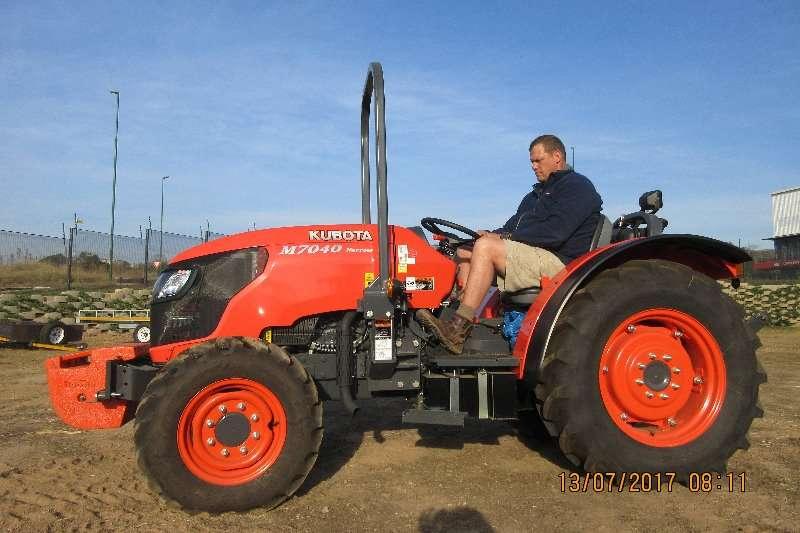 Kubota Kubota M7040 Premium Narrow Tractor . 4WD 48.7kw Tractors