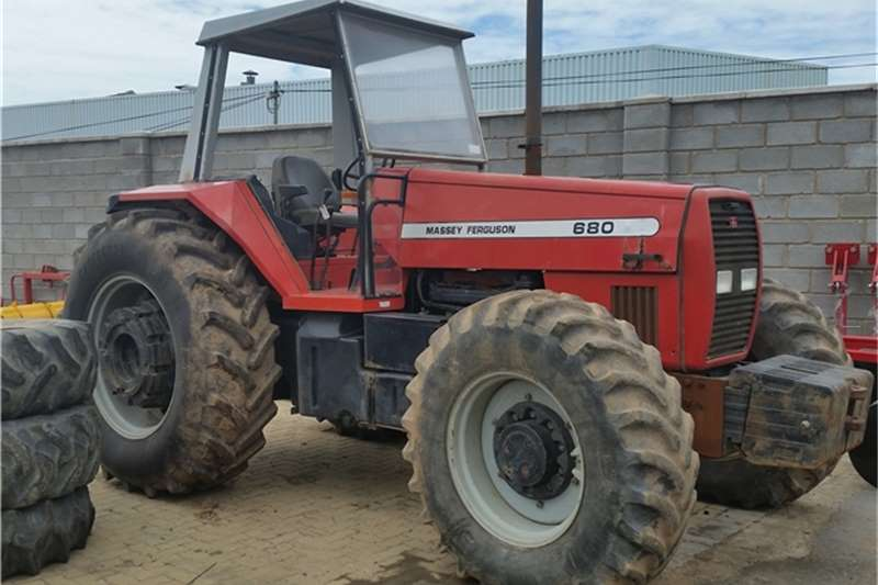 Massey Ferguson 2007 MF 680 4WD 7026 HRS R240000 +VAT Tractors