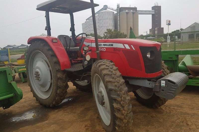 Tractors Massey Ferguson 440 - 4x4 - High Clearance 2014