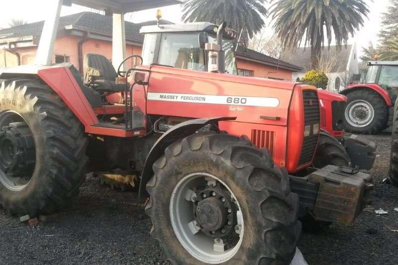 Massey Ferguson 680 Tractors