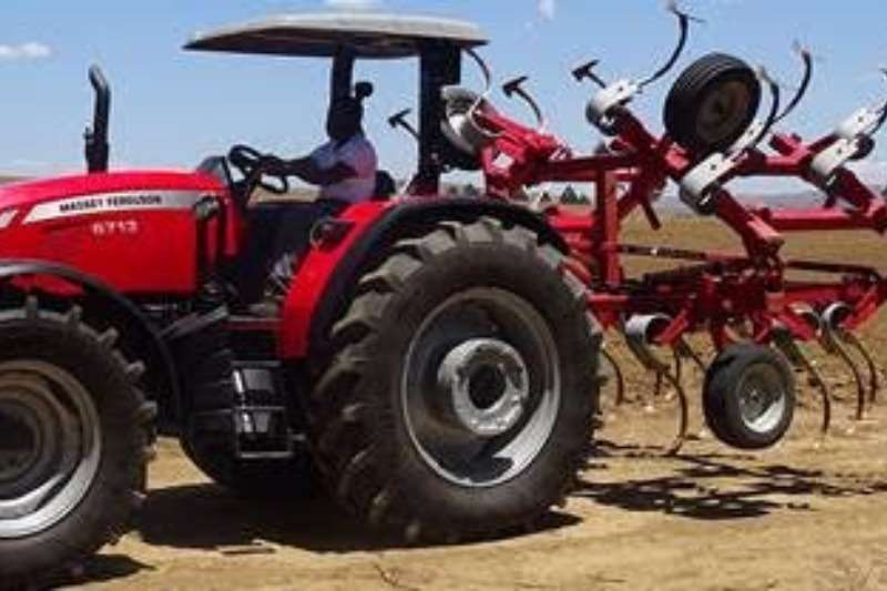 Massey Ferguson Four wheel drive tractors 6713 4WD PS Tractors