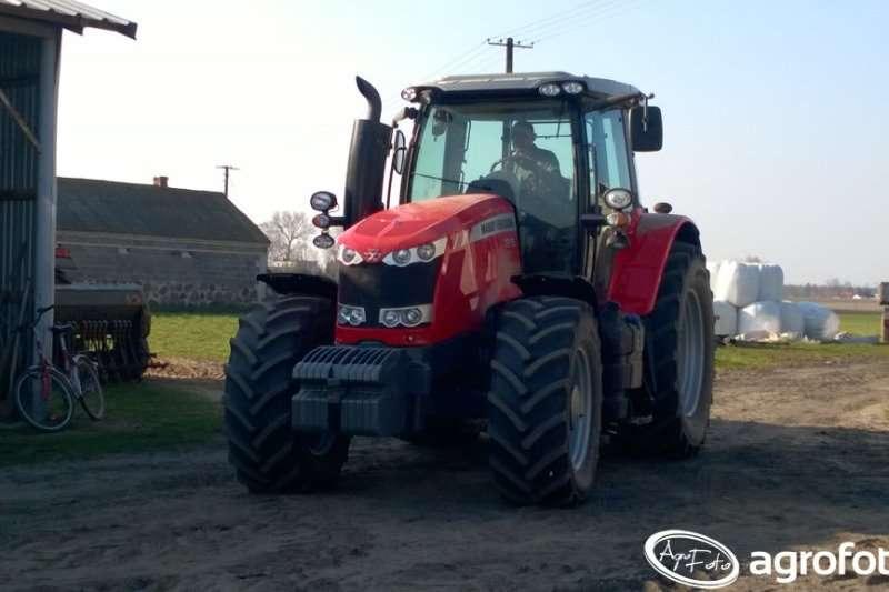 Massey Ferguson Four wheel drive tractors 7615 CAB 4WD Tractors