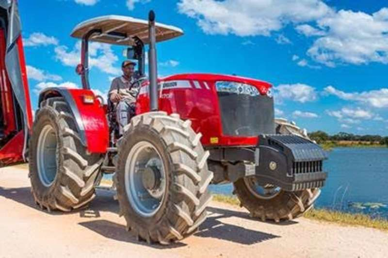 Tractors Massey Ferguson Four Wheel Drive Tractors Limited stock special! 4708 4WD 61 kW NEW 2017