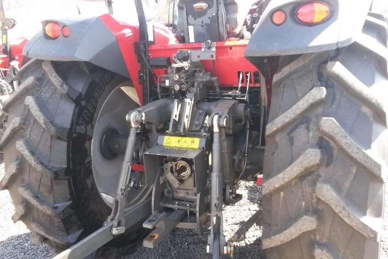 Massey Ferguson Four wheel drive tractors MF 6711, 4WD std, Dry clutch, open station Tractors