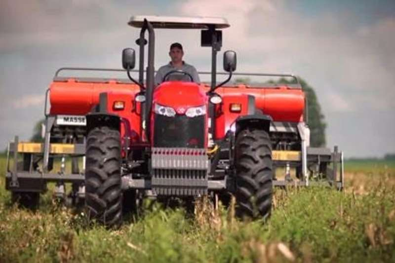 Massey Ferguson Four wheel drive tractors Special! 6711 4WD PS 82 kW Tractors