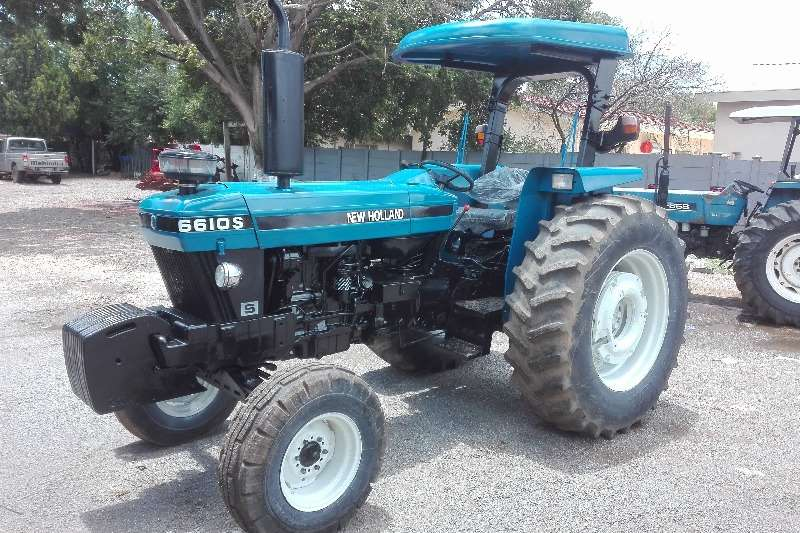 New Holland 6610 S, NUWE AGTERBANDE Tractors