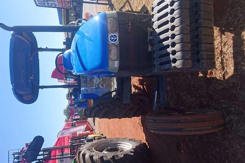 New Holland DT 80 Tractors