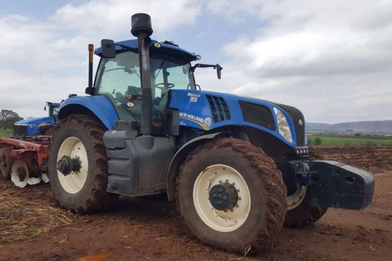 New Holland Four wheel drive tractors New Holland T8.330 Cab Tractors