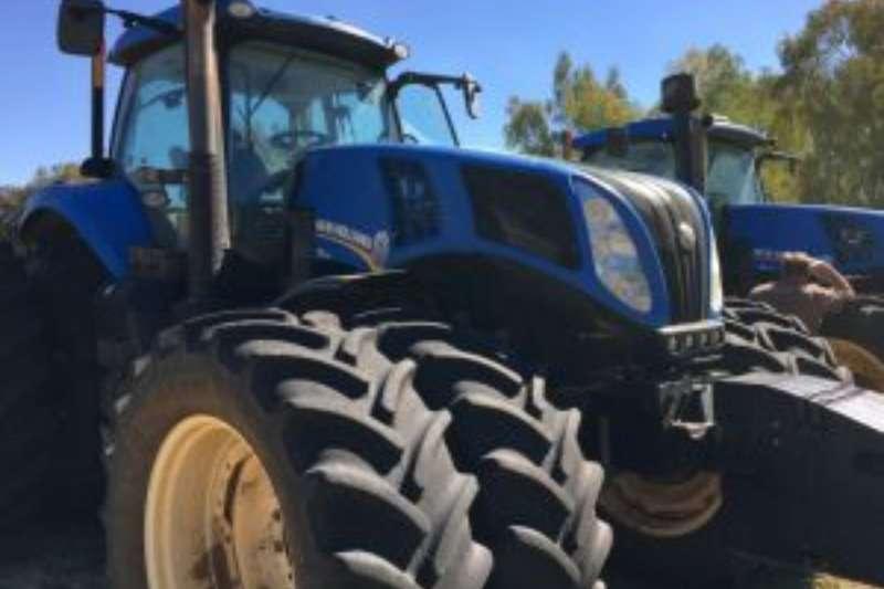 New Holland Four wheel drive tractors T8 330 CAB Tractors