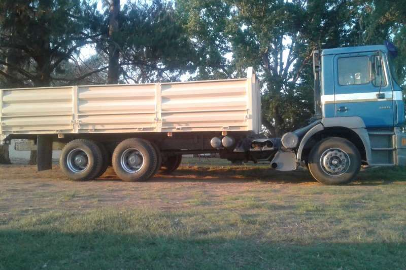 MAN 33 373 13 ton Trucks