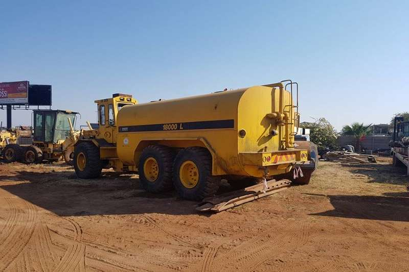 CAT Dezzi AD20 Dumpers trucks , water tanker ADTs