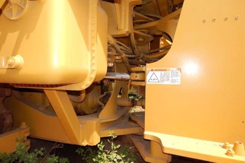 Tana Caterpillar 825G Series II Soil Compactor Compactor