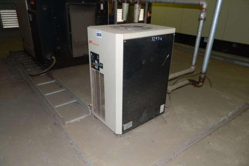 Compressors Ingersoll Rand Ingersoll Rand UP5 30-75 Rotary Screw Compressor 2008