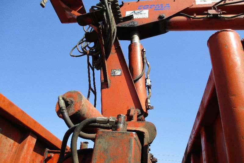 Copma Copma 13-30 with brick Grab Cranes