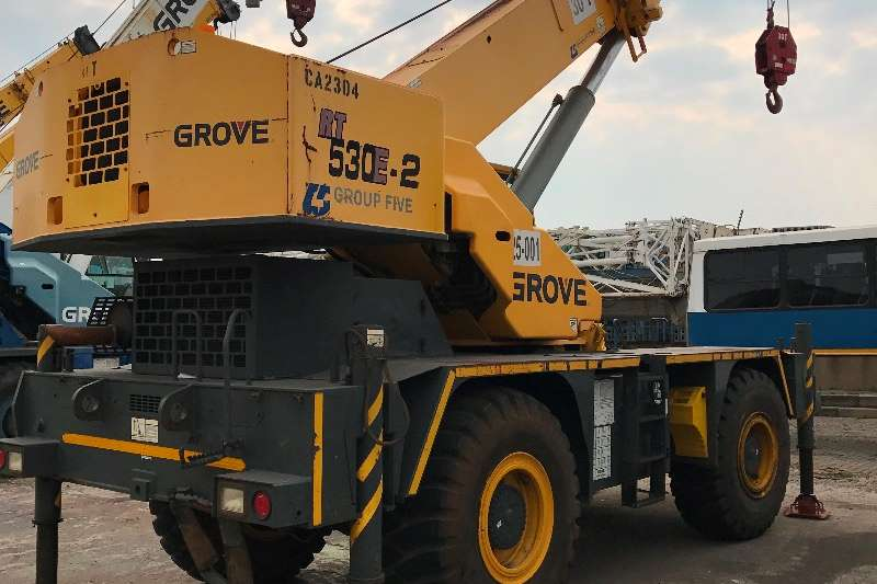 Grove Rough terrain RT530 Cranes