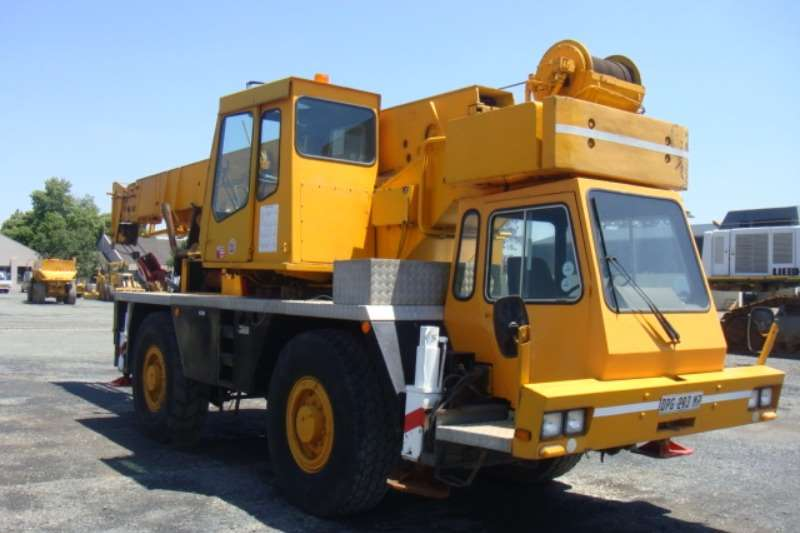Grove TR250 Cranes
