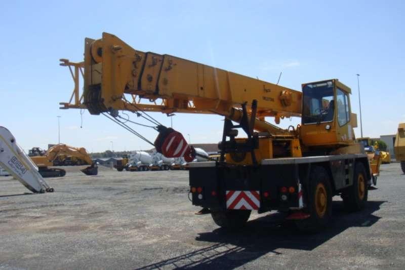 Grove TR250 Crane Cranes