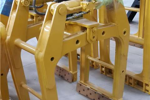 Other Truck mounted Brick Grab (3-5 Ton) Cranes