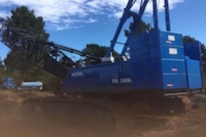 FUSHAN (FUWA) QUY150C 150 TON Crawler crane