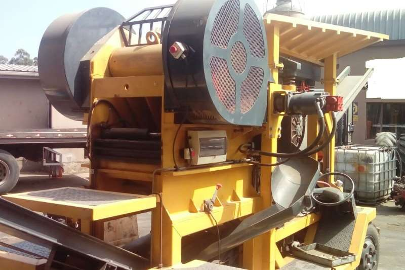 Other Used Rubble Crusher 60 MPA 4 Cylinder Available Crushers