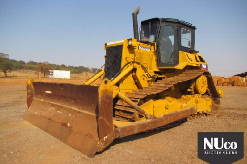 Dozers Caterpillar CAT D6H DOZER 0